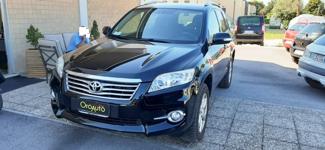 Toyota RAV 4 Crossover 2.2 D-4D 150 CV PELLE,CRUISE,PDC,SEDILI RISCALDABILI